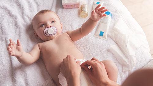 Ve videokurzu Šestinedělí apéče omiminko se dozvíte jak pečovat ovaše miminko, jak sním manipulovat.