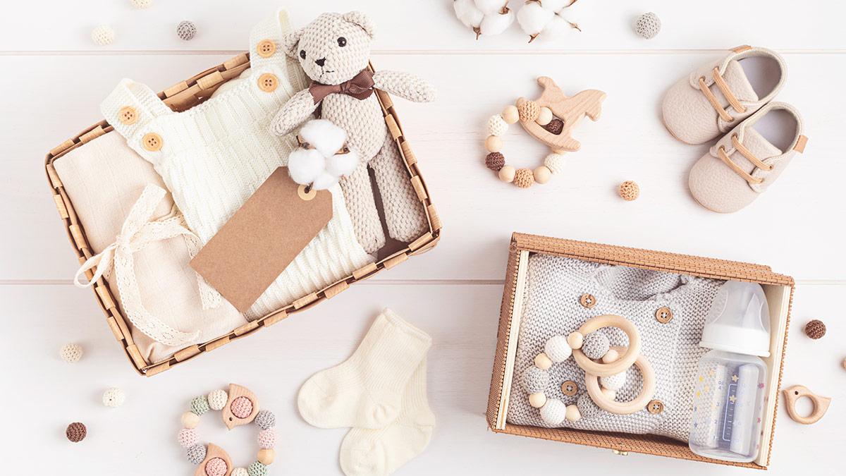 Pořízení výbavičky pro miminko je jedna z nejkrásnějších činností. Máte vše? Zkontrolujte si to v našem novém článku na blogu BUDE NÁS VÍC.